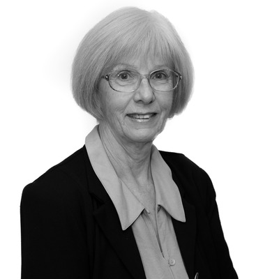 Shirley  Holtham