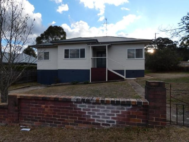 42 Dangar Street, Armidale NSW 2350