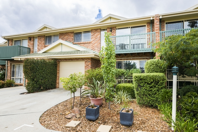 4/25 Uriarra Road, NSW 2620