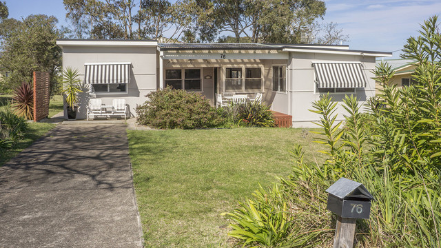 76 Lockhart Avenue, Mollymook NSW 2539