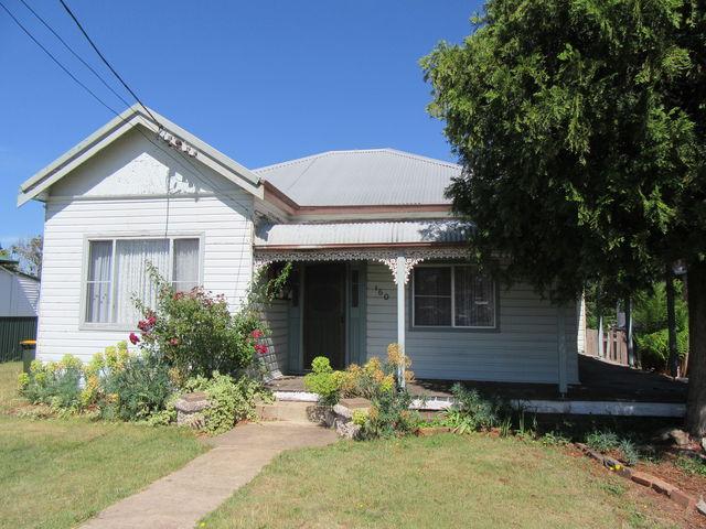 160 Macquarie St, NSW 2370