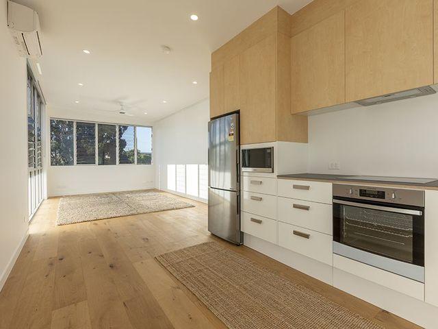 1/166B Rochford Street,, NSW 2043
