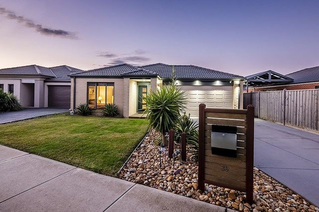 36 Pyrenees Road, Clyde VIC 3978