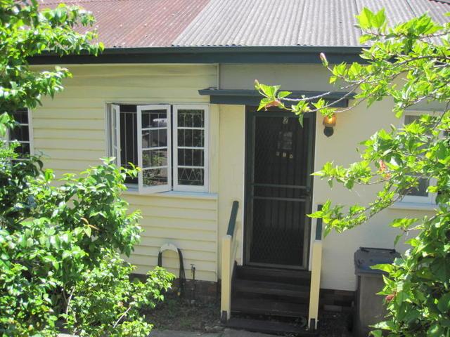 Unit 2/395 Cavendish Road, Coorparoo QLD 4151