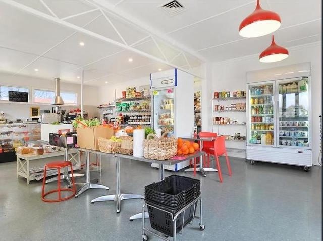 26 Rockvale Rd, Armidale NSW 2350