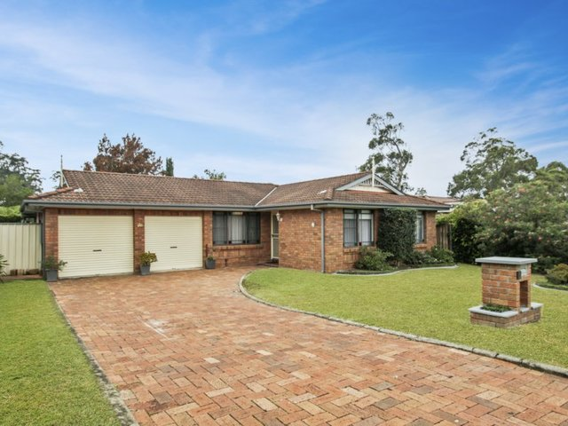 2 Moroney Avenue, St Georges Basin NSW 2540