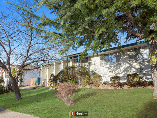 28 Baddeley Crescent, Spence ACT 2615