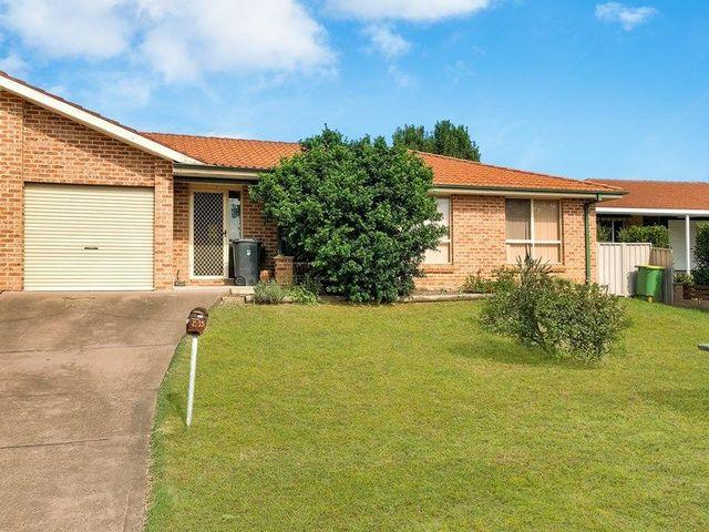2/15 Neilson Cres, NSW 2756