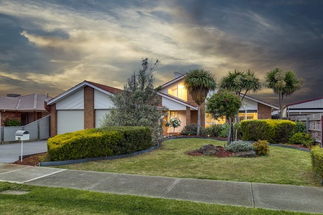 11 Young Court, Delahey VIC 3037