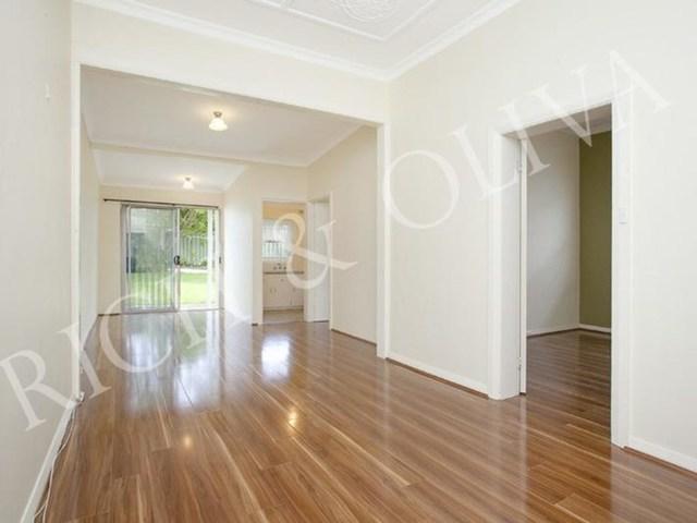 2/11 Emu Street, NSW 2135