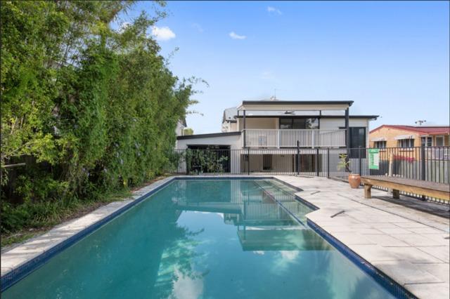 12 Morehead Avenue., QLD 4170