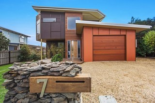 7 Mckenzie Drive