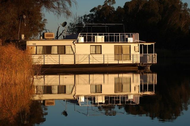 Houseboat 1 Herons Bend Road, SA 5330