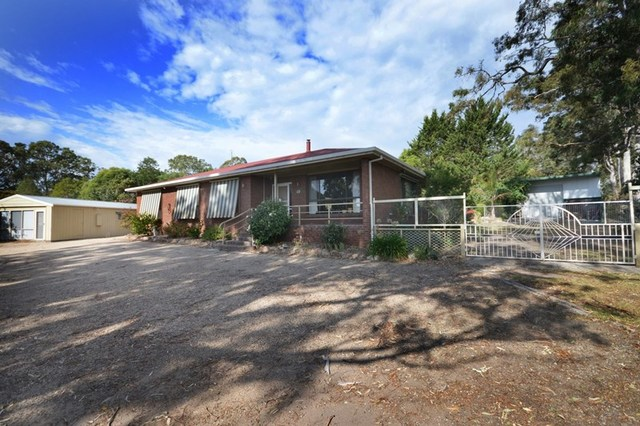 4 Tait Street, Eagle Point VIC 3878