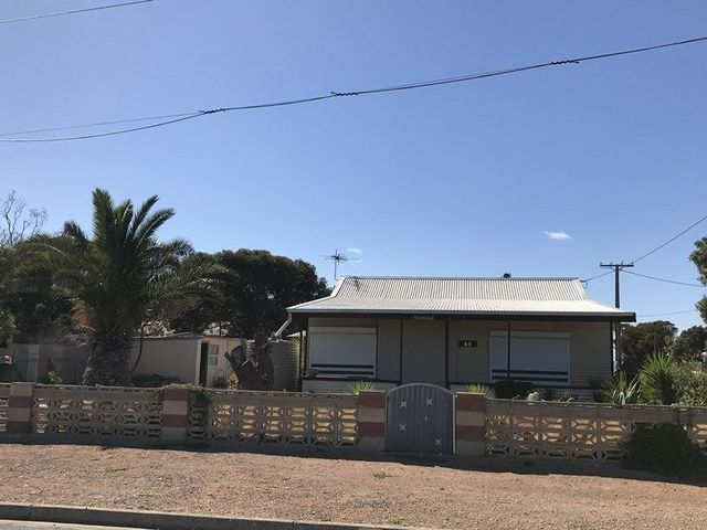 14 West Terrace, Thevenard SA 5690