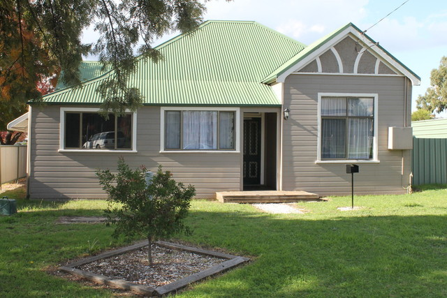 92 Lawrence, Inverell NSW 2360