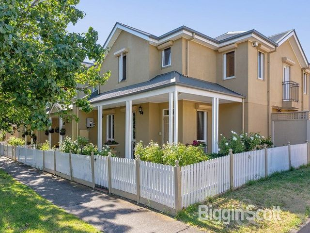 33 Waterford Avenue, VIC 3032