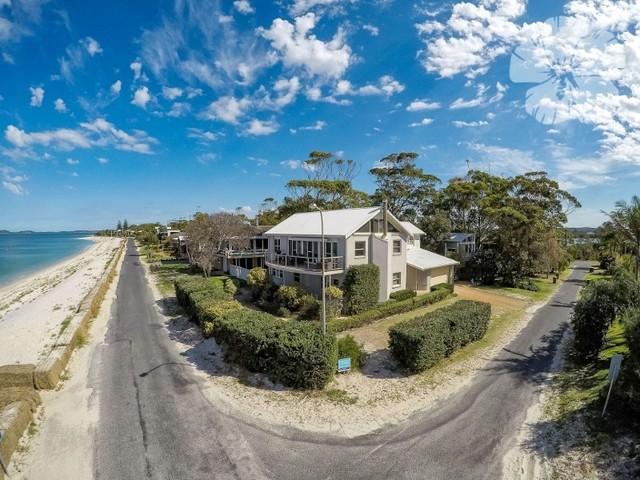89 The Boulevarde, Hawks Nest NSW 2324