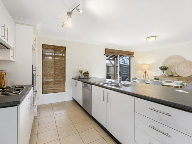 12 Creswick Close, Manly West QLD 4179