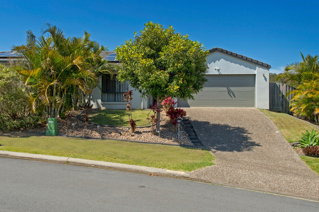 2/26 Faraday Circuit, Pacific Pines QLD 4211