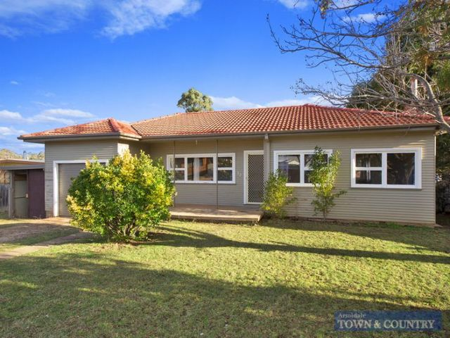 22 Roslyn Avenue, Armidale NSW 2350