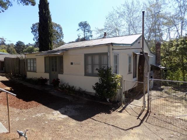 42 Oaklands Rd, Hazelbrook NSW 2779