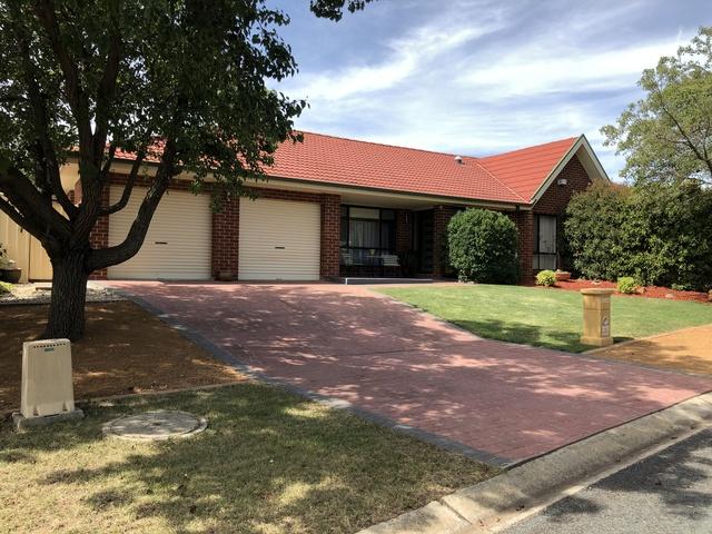 2 Kowen Place, NSW 2619