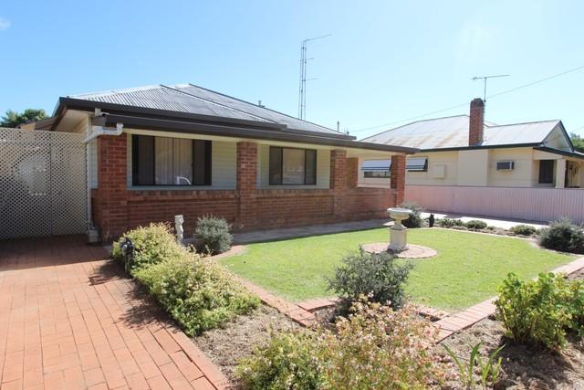 123 Polaris Streeet, Temora NSW 2666