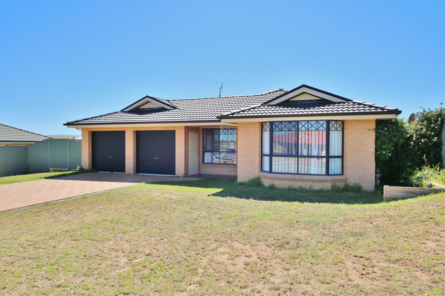 8 Ruby Place, Kelso NSW 2795