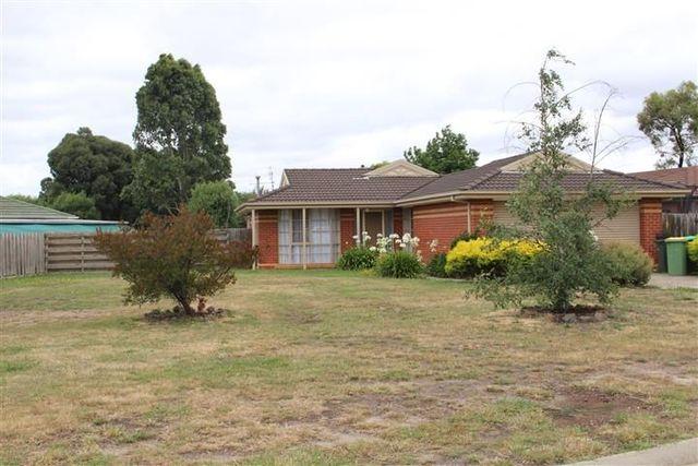18 Sunnypark Close, Gisborne VIC 3437