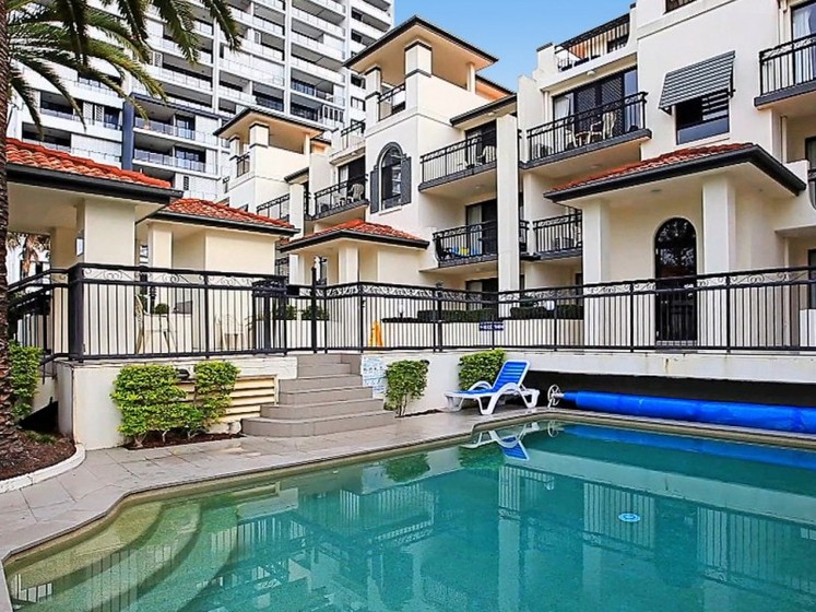 9 13 Margaret Ave Broadbeach Qld 4218 Apartment For