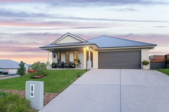 7 Rampling Avenue, North Rothbury NSW 2335