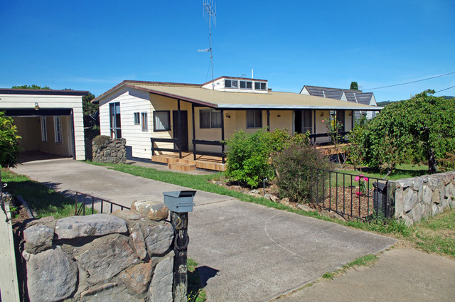 21 Dickinson Street, Bombala NSW 2632