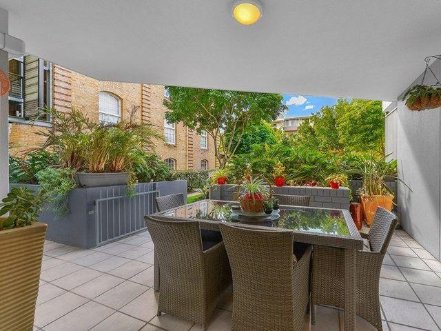1/10 Vernon Terrace, QLD 4005
