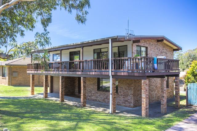 9 Latta Street, Mollymook NSW 2539