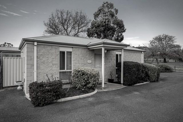 Unit 1/176 Station Road, New Gisborne VIC 3438
