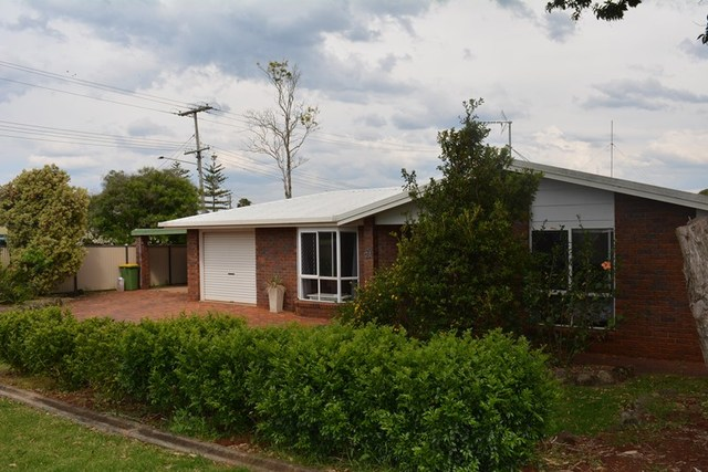 2A Bond Court, Darling Heights QLD 4350