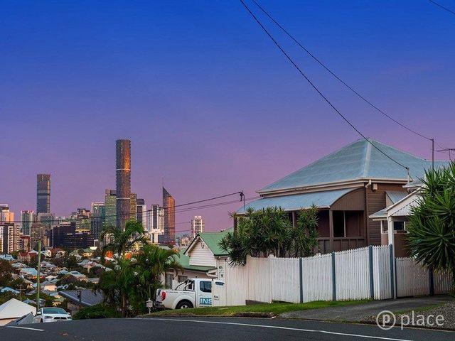 42 Upper Cairns Terrace, QLD 4064