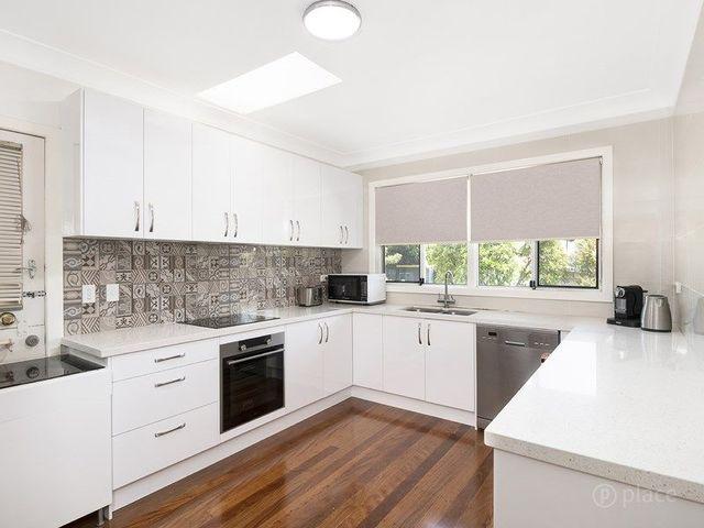 574 Cavendish Road, QLD 4151