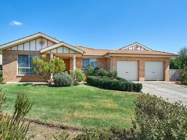 27 Kimba Drive, Glenfield Park NSW 2650