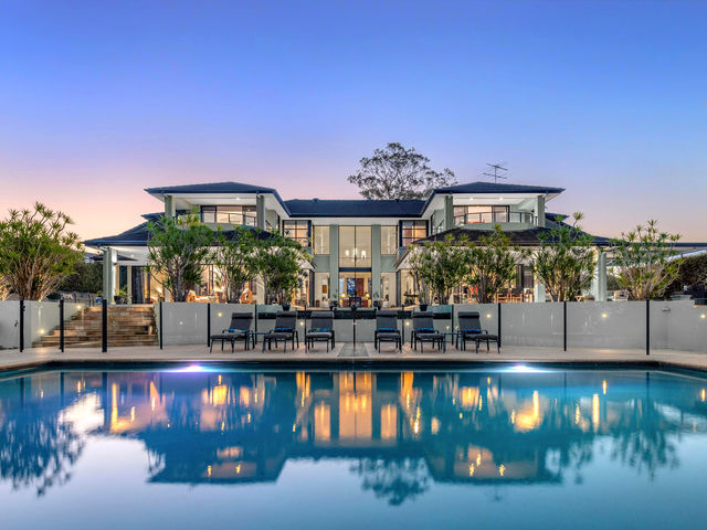 111 Lather Road, Bellbowrie QLD 4070