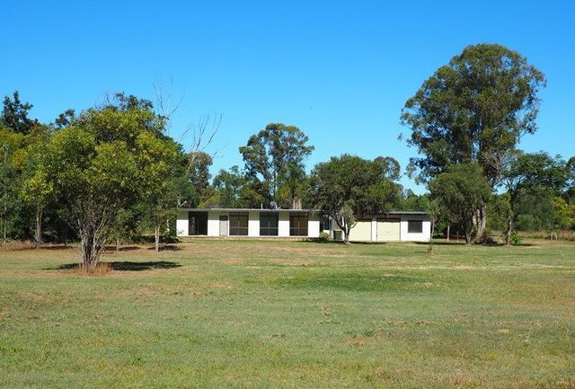 98 Dunford Road East, Grahams Creek QLD 4650