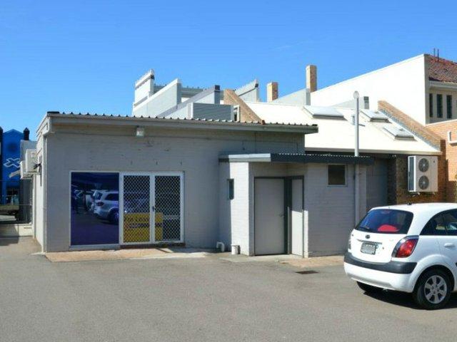 2/96 John Street, Singleton NSW 2330