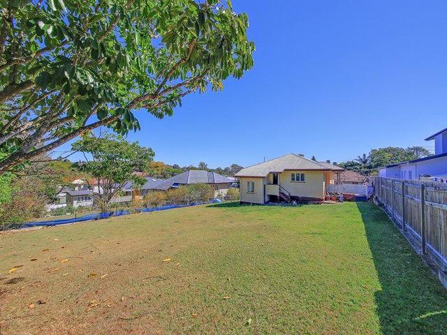 42 Galsworthy Street, Holland Park West QLD 4121