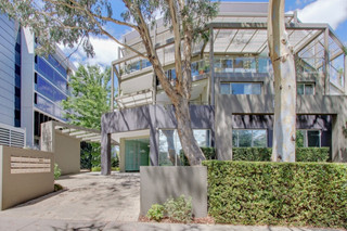 11/6 Oxley Street