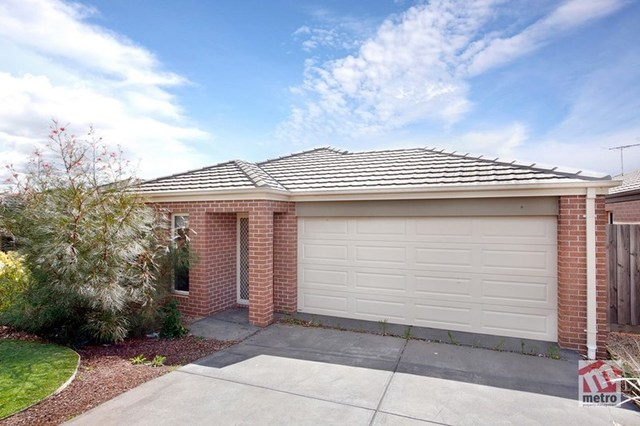 27 Maiden Drive, Sunbury VIC 3429