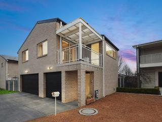 2/1 Oberon Close