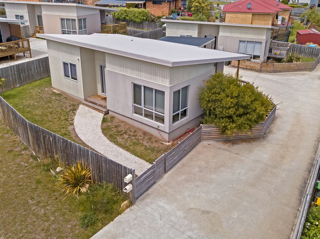 1 and 2 / 11 Jasper Court, TAS 7019