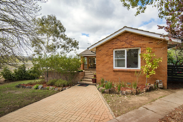 10 Whyte Place, Curtin ACT 2605