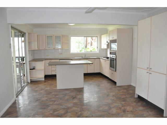 24 Lakedge Avenue, Berkeley Vale NSW 2261